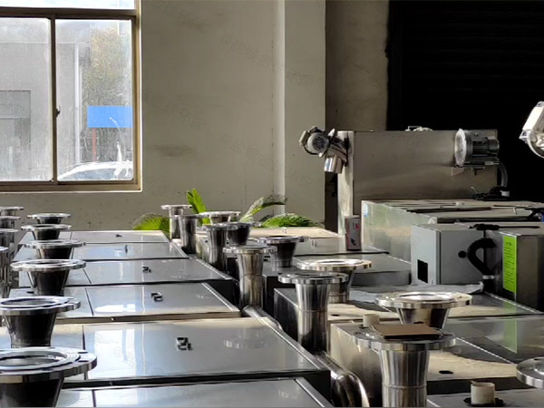 餐饮环保地下室分体式油水分离设备要求